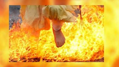 Photo of عبور از آتش برای شناخت گناهکار و بی گناه در بلوچستان