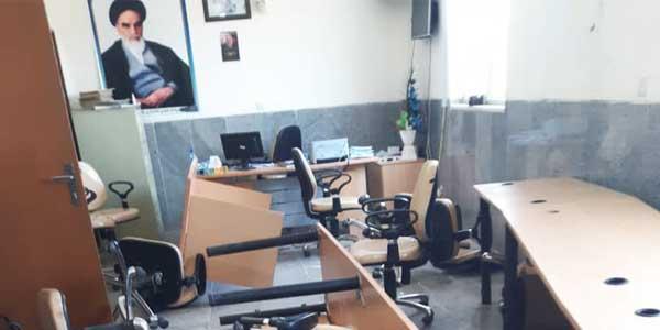 عکس های از جزئیات حمله به بخشداری جازموریان